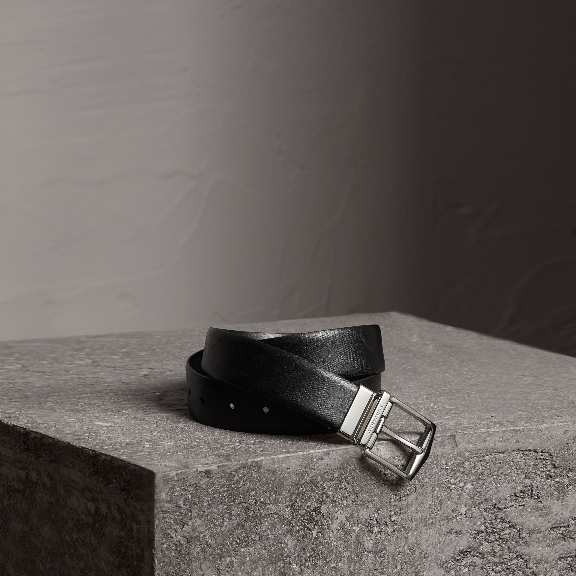 Reversible London Leather Belt in Black - Men | Burberry Canada - gallery image 0