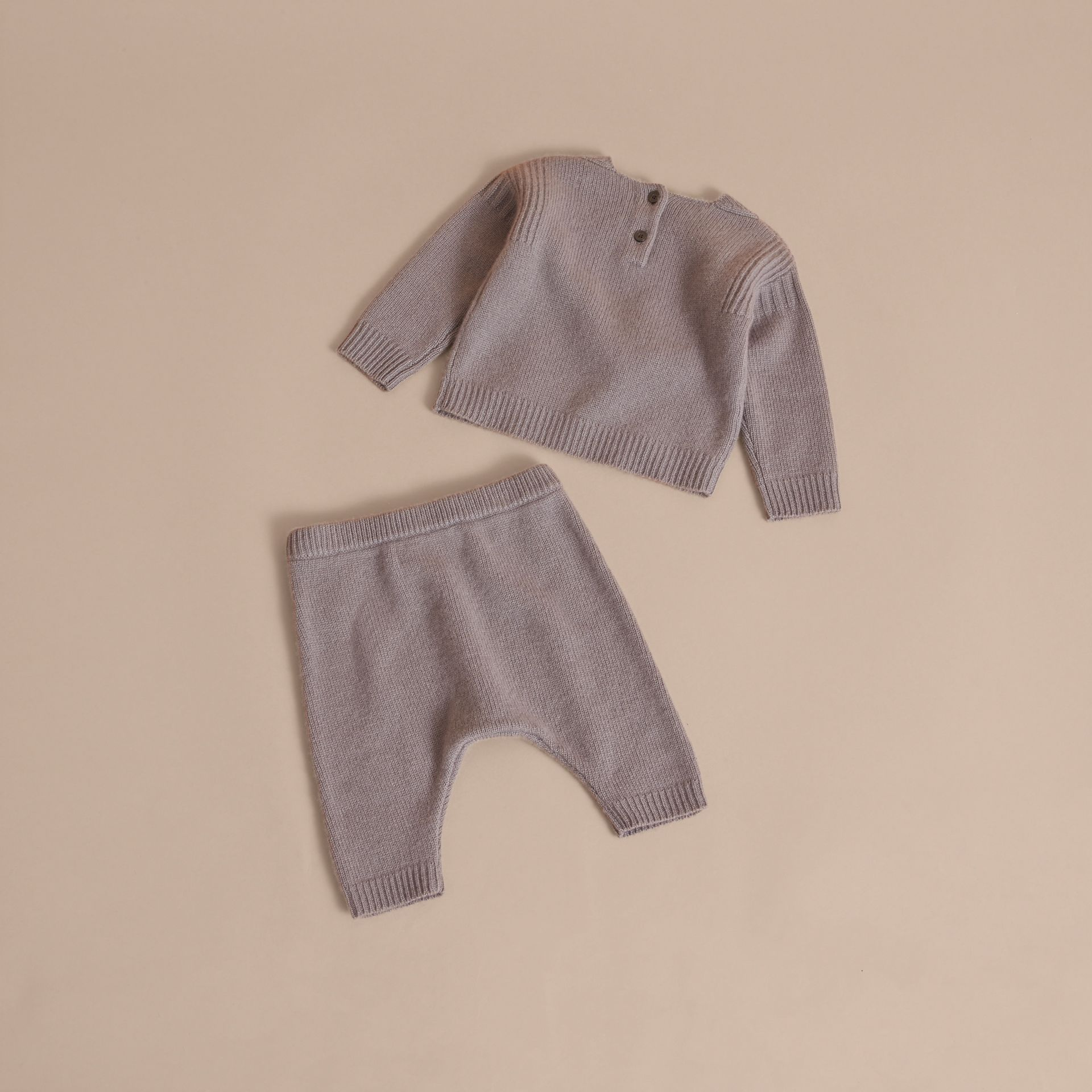 Cashmere Two-piece Baby Gift Set in Storm Grey | Burberry - gallery image 3
