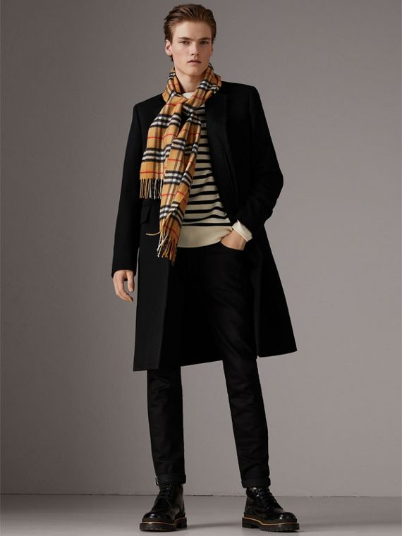 The Classic Vintage Check Cashmere Scarf in Antique Yellow | Burberry Hong Kong - cell image 3