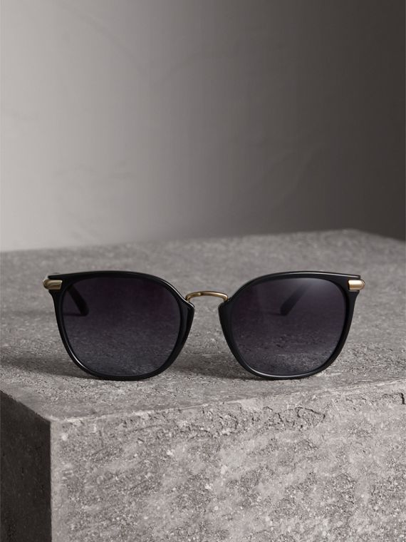Check Detail Square Frame Sunglasses in Black - Women | Burberry United Kingdom - cell image 3