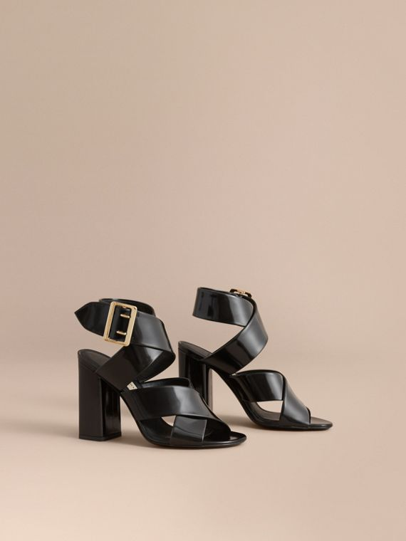 Buckle Detail Patent Leather Sandals in Black