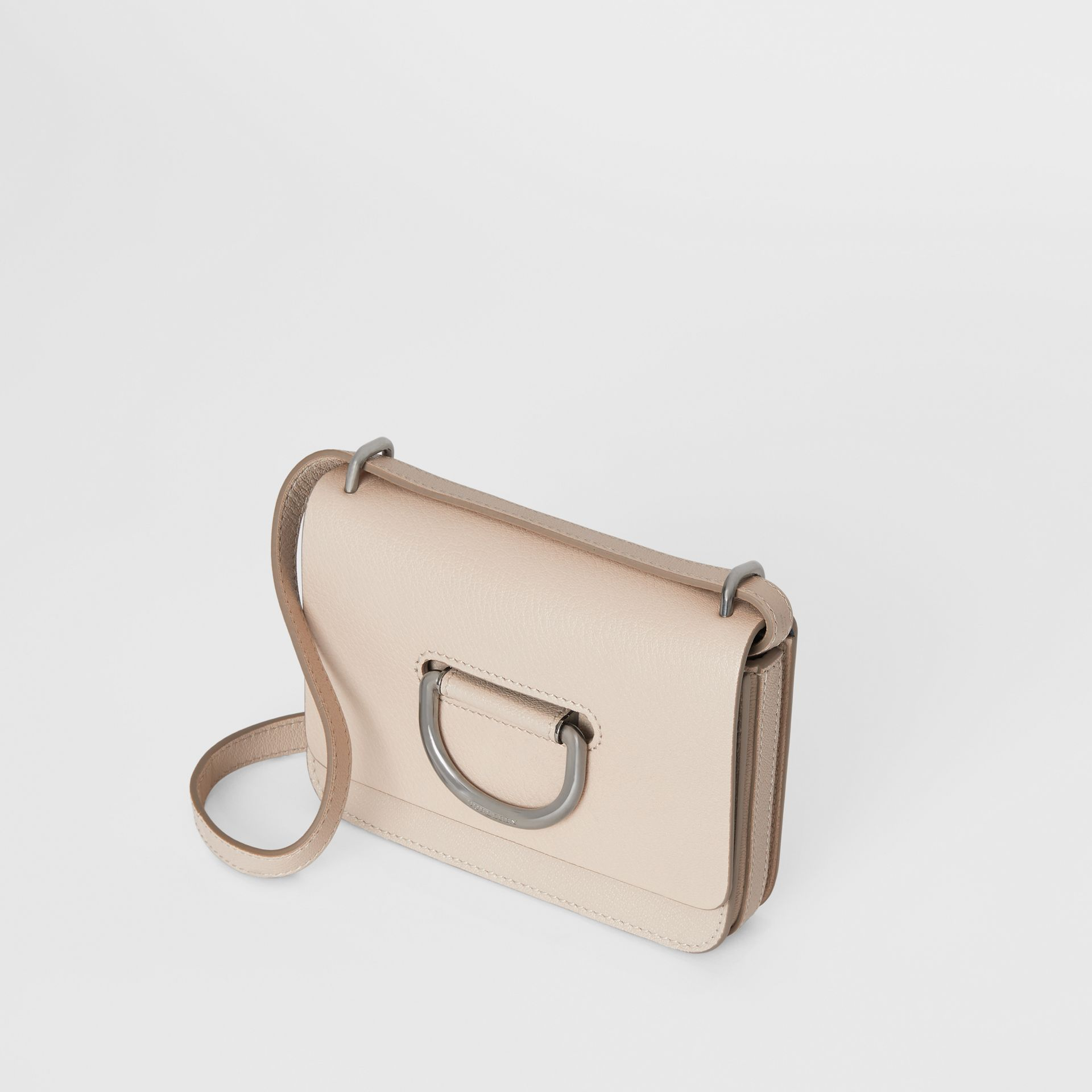 Mini sac The D-ring en cuir (Stone) - Femme | Burberry - photo de la galerie 4
