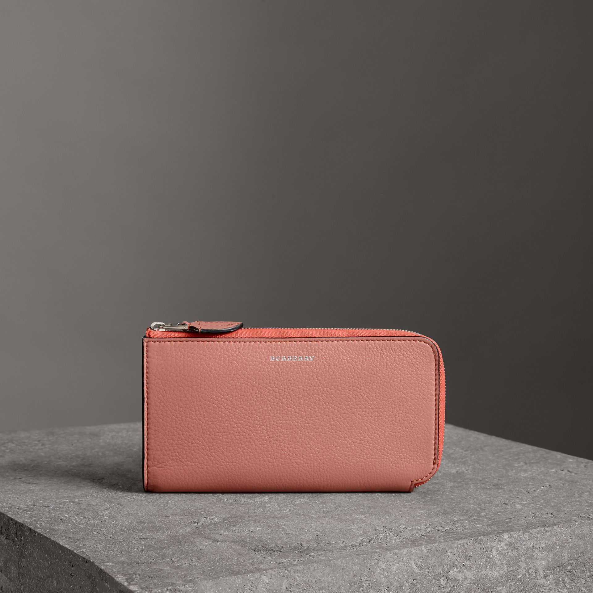 Two-tone Leather Ziparound Wallet and Coin Case in Dusty Rose - Women | Burberry - gallery image 0