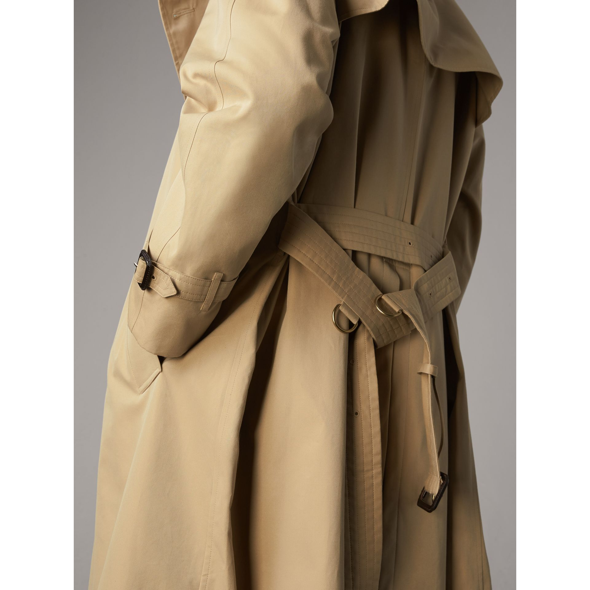 The Westminster – Extra-long Trench Coat in Honey - Men | Burberry Hong Kong - gallery image 5