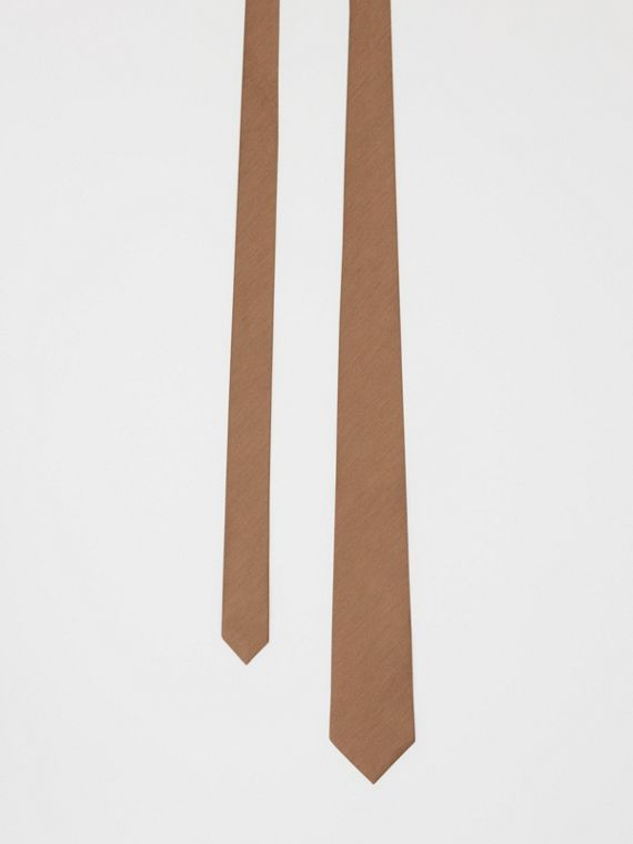 Corbata de pala clásica en seda (Cámel Intenso)