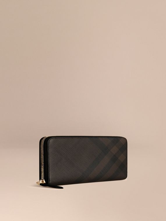 London Check Ziparound Wallet in Chocolate/black - Men | Burberry