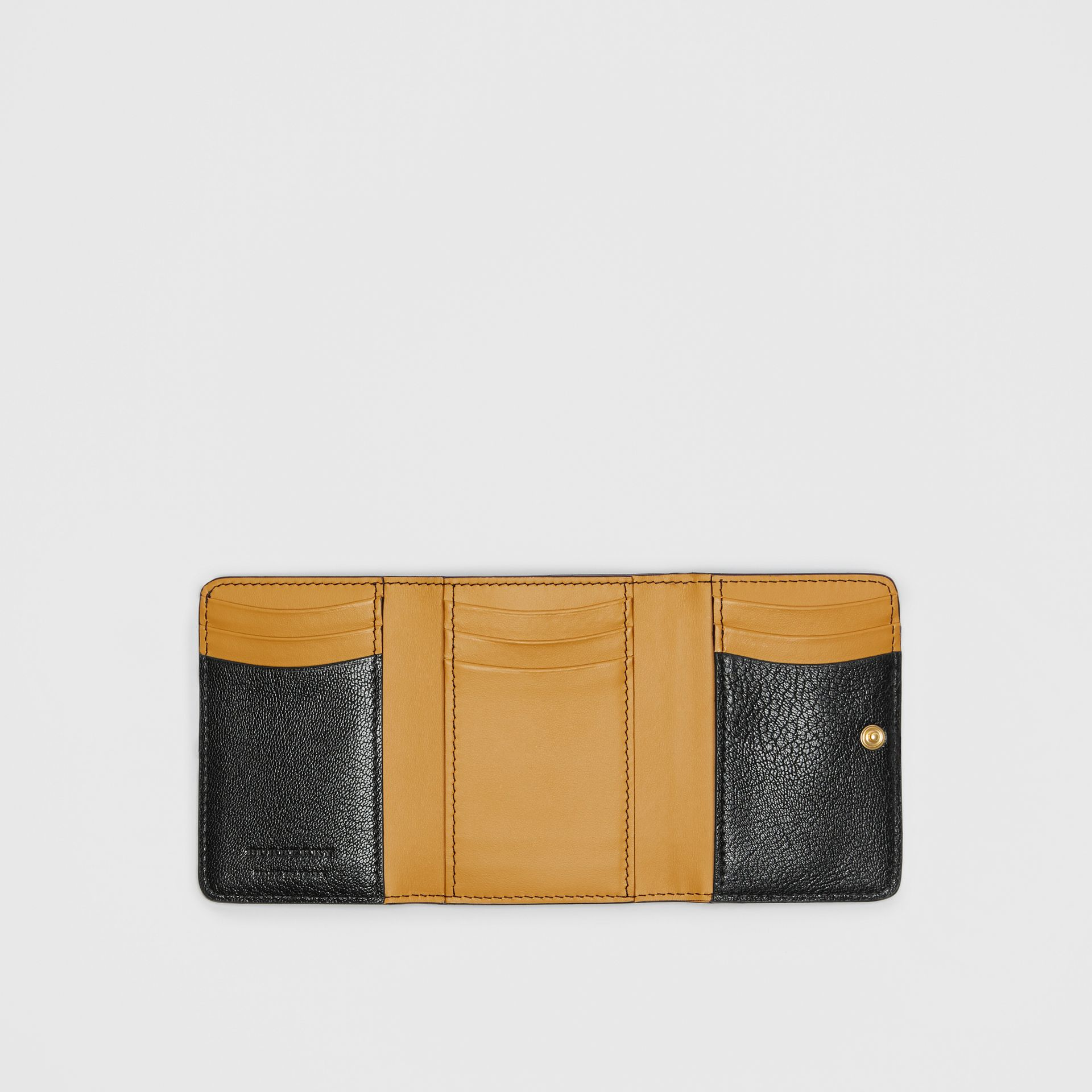 Small D-ring Leather Wallet in Black - Women | Burberry United Kingdom - gallery image 2