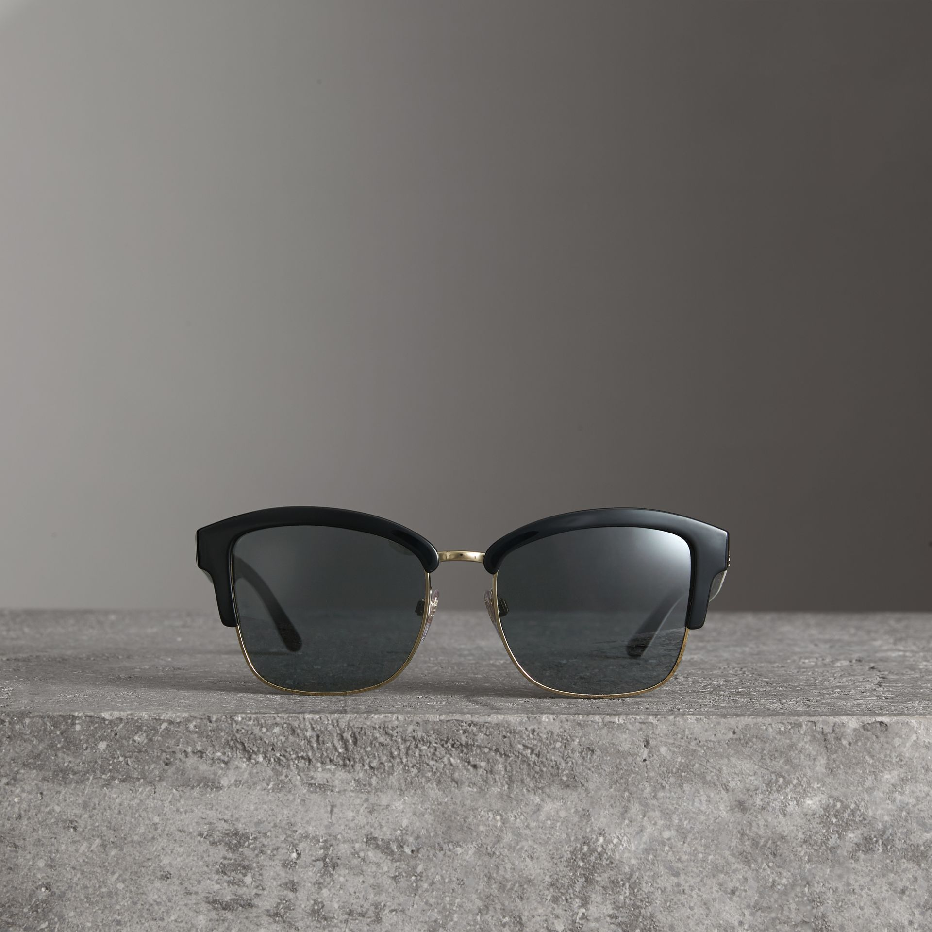 Doodle Square Frame Sunglasses in Black - Women | Burberry United Kingdom - gallery image 2