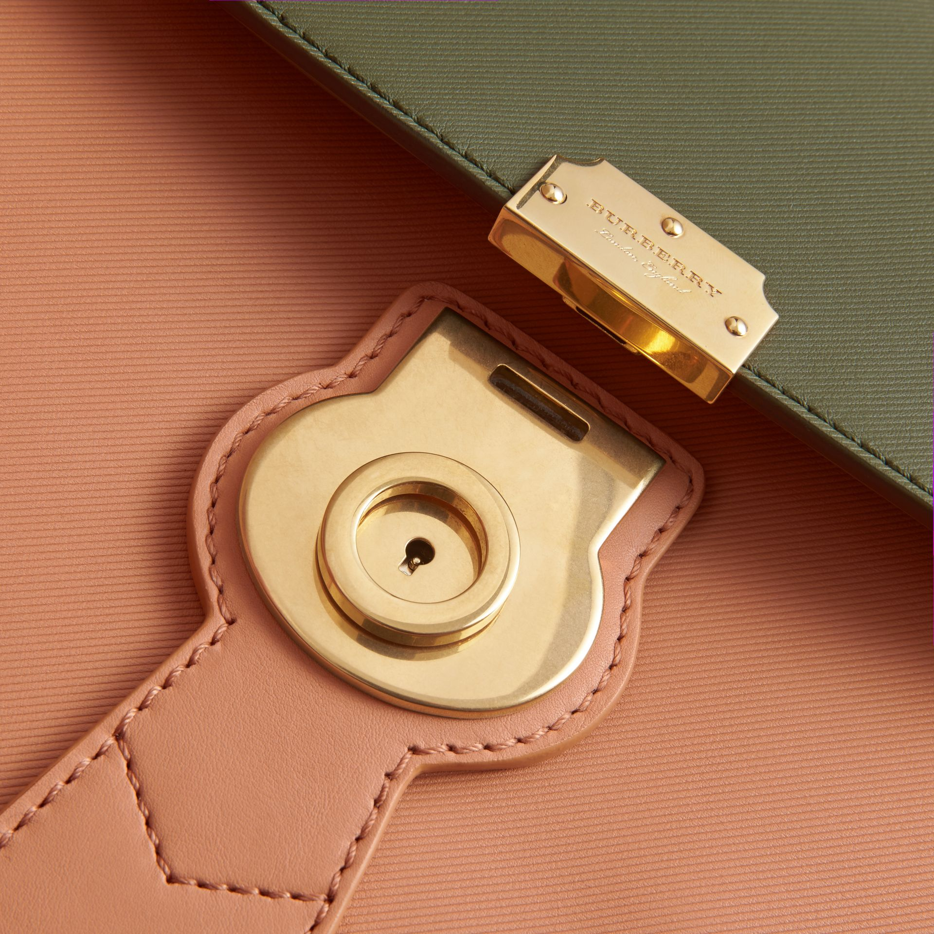 The Medium DK88 Top Handle Bag Pale Clementine/moss Green - gallery image 6