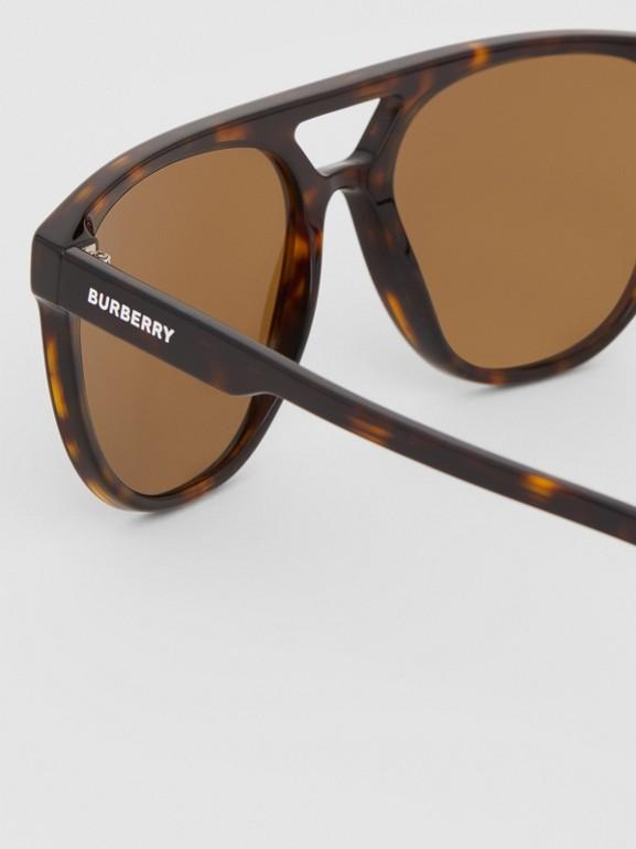 Navigator Sunglasses in Tortoiseshell - Men | Burberry United Kingdom - cell image 1