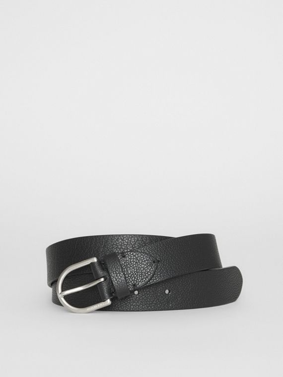 D-shaped Buckle Grainy Leather Belt in Black