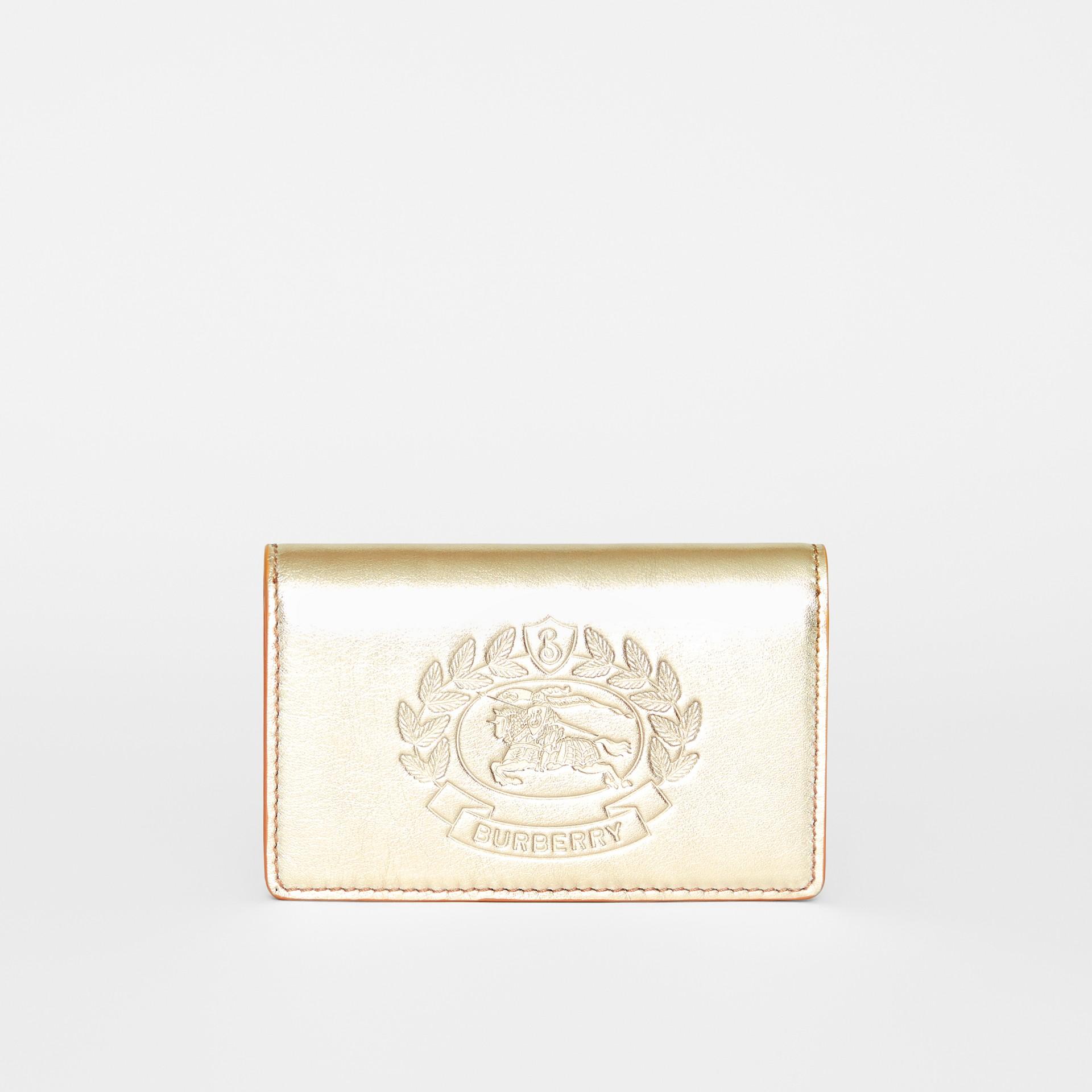 Kleine Brieftasche aus Metallic-Leder mit geprägtem Ritteremblem (Goldfarben) - Damen | Burberry - Galerie-Bild 0