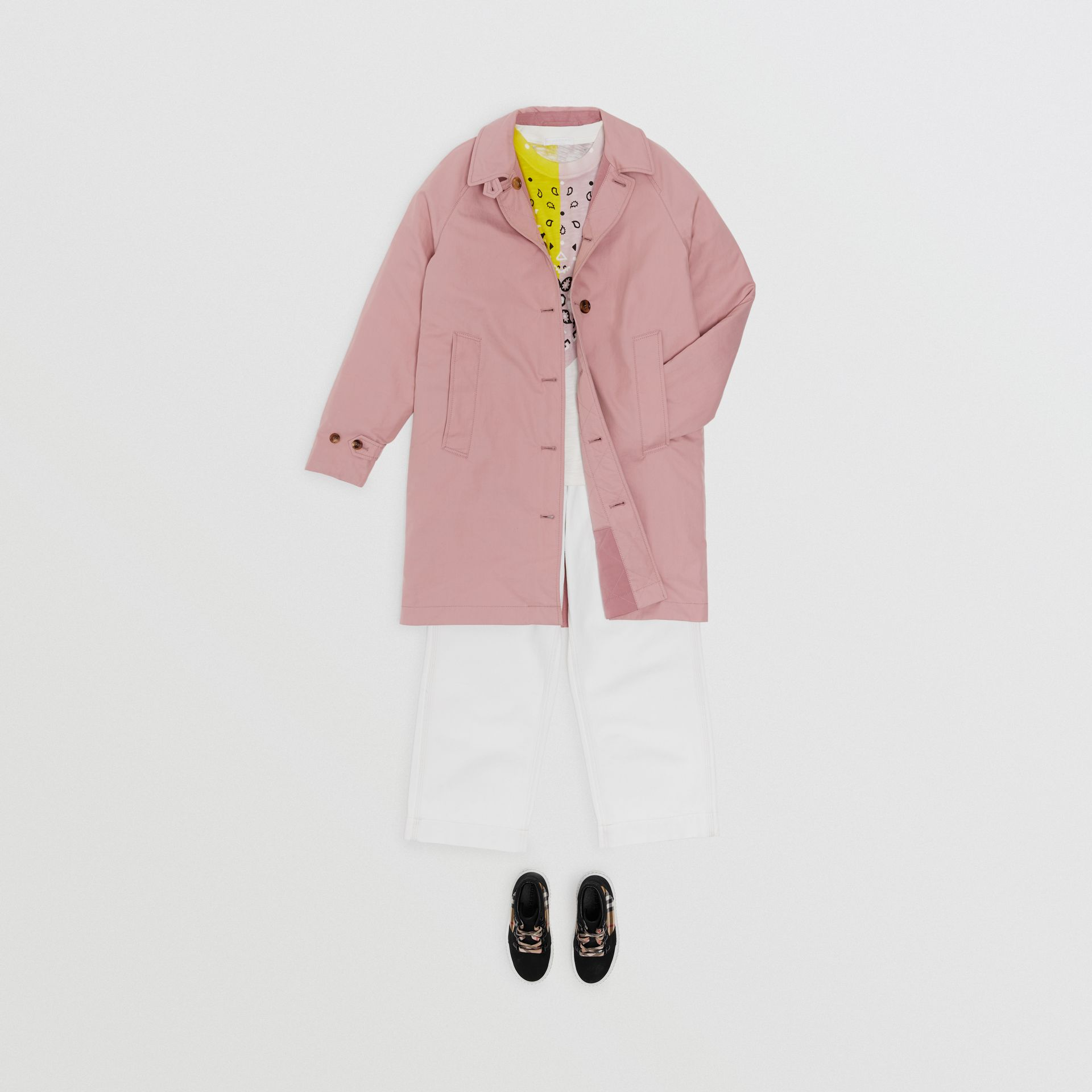 Reversible Tropical Gabardine Car Coat in Chalk Pink | Burberry Hong Kong - gallery image 2