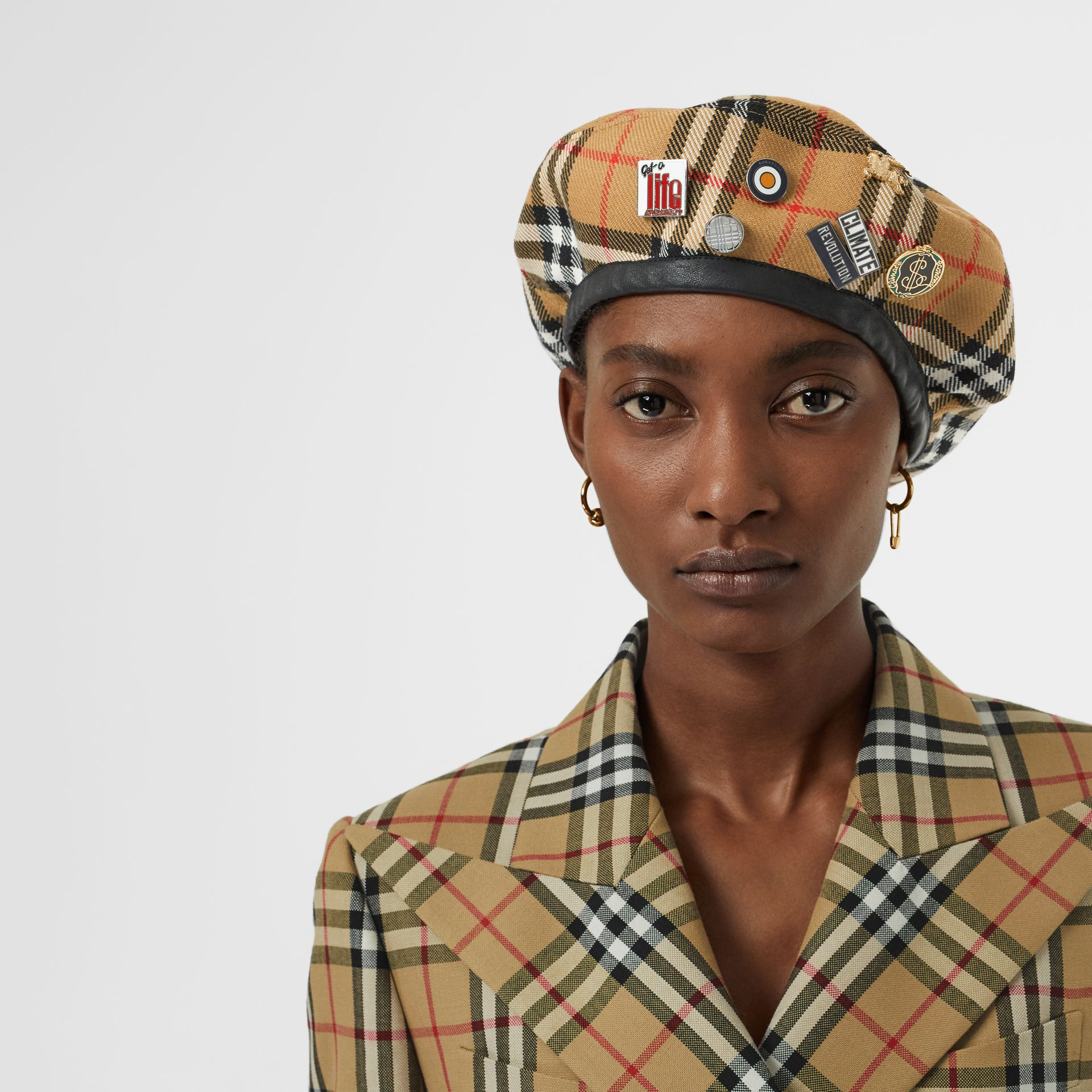 Pin Detail Vintage Check Wool Beret in Antique Yellow | Burberry - gallery image 2