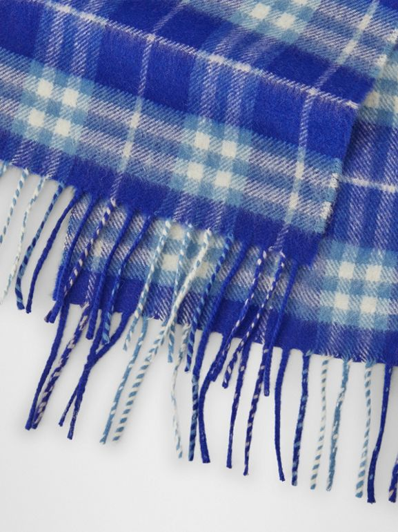The Mini Classic Vintage Check Cashmere Scarf in Bright Lapis - Children | Burberry United States - cell image 1