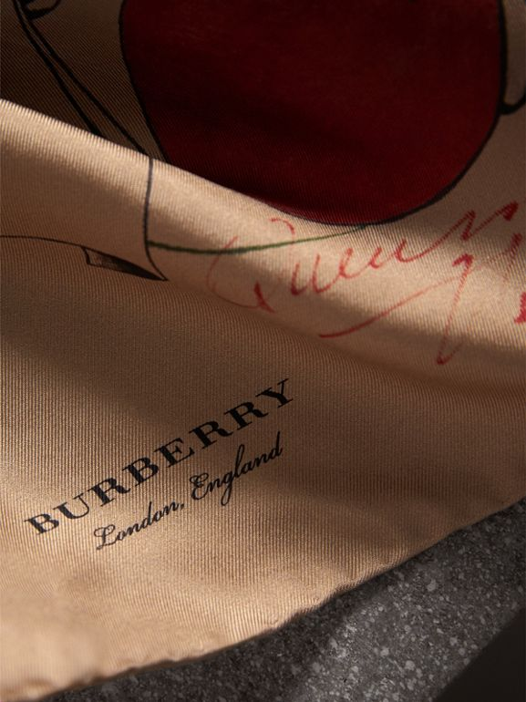The Burberry Bandana in Sketch Print Silk in Honey | Burberry - cell image 1