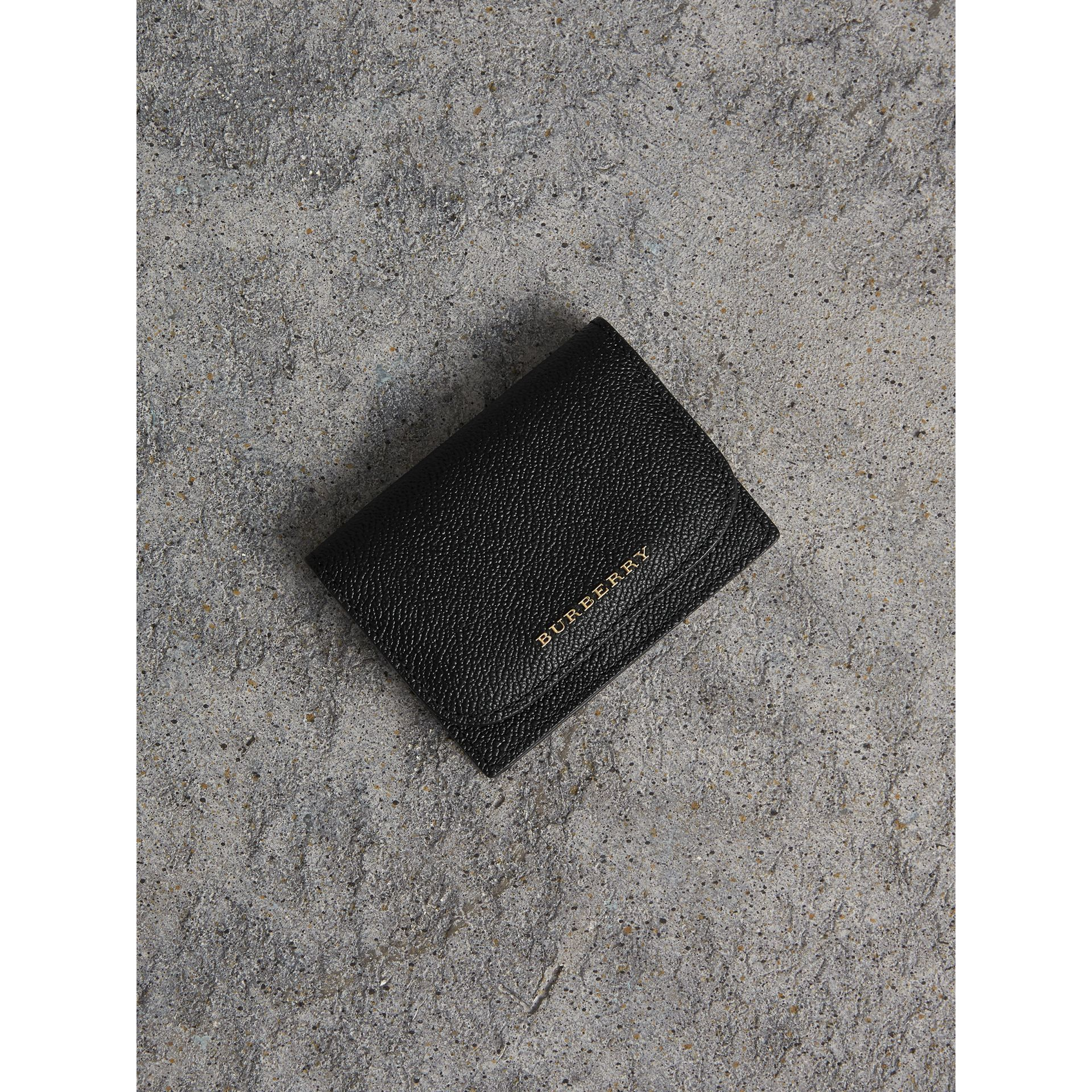 Grainy Leather Card Case in Black - Women | Burberry - gallery image 1