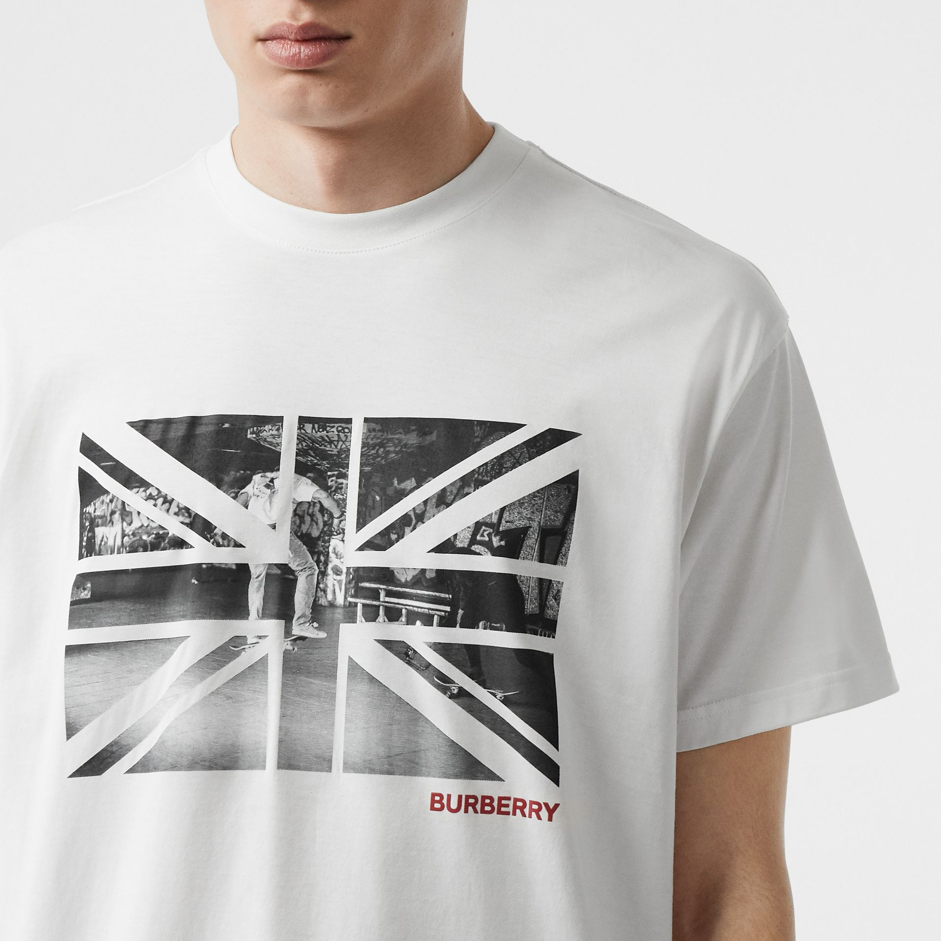 Union Jack Photo Print Cotton Oversized T-shirt in White - Men | Burberry - gallery image 1