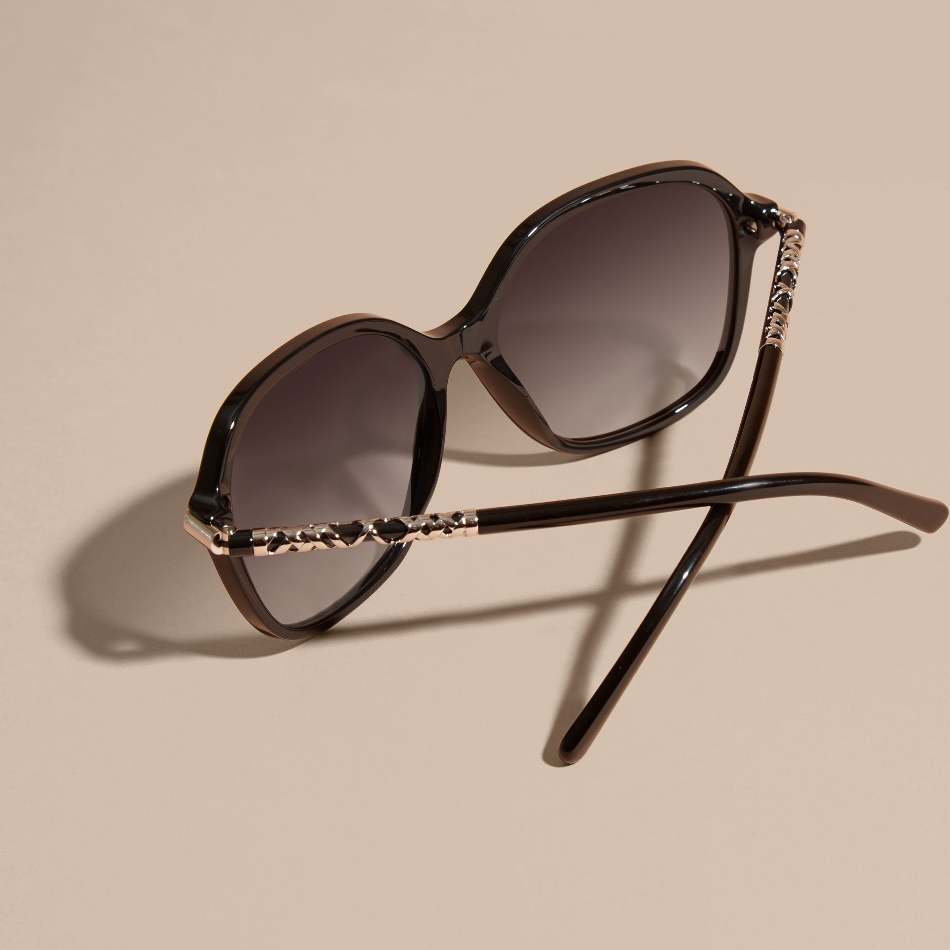 Black Check Detail Round Frame Sunglasses Black - gallery image 3