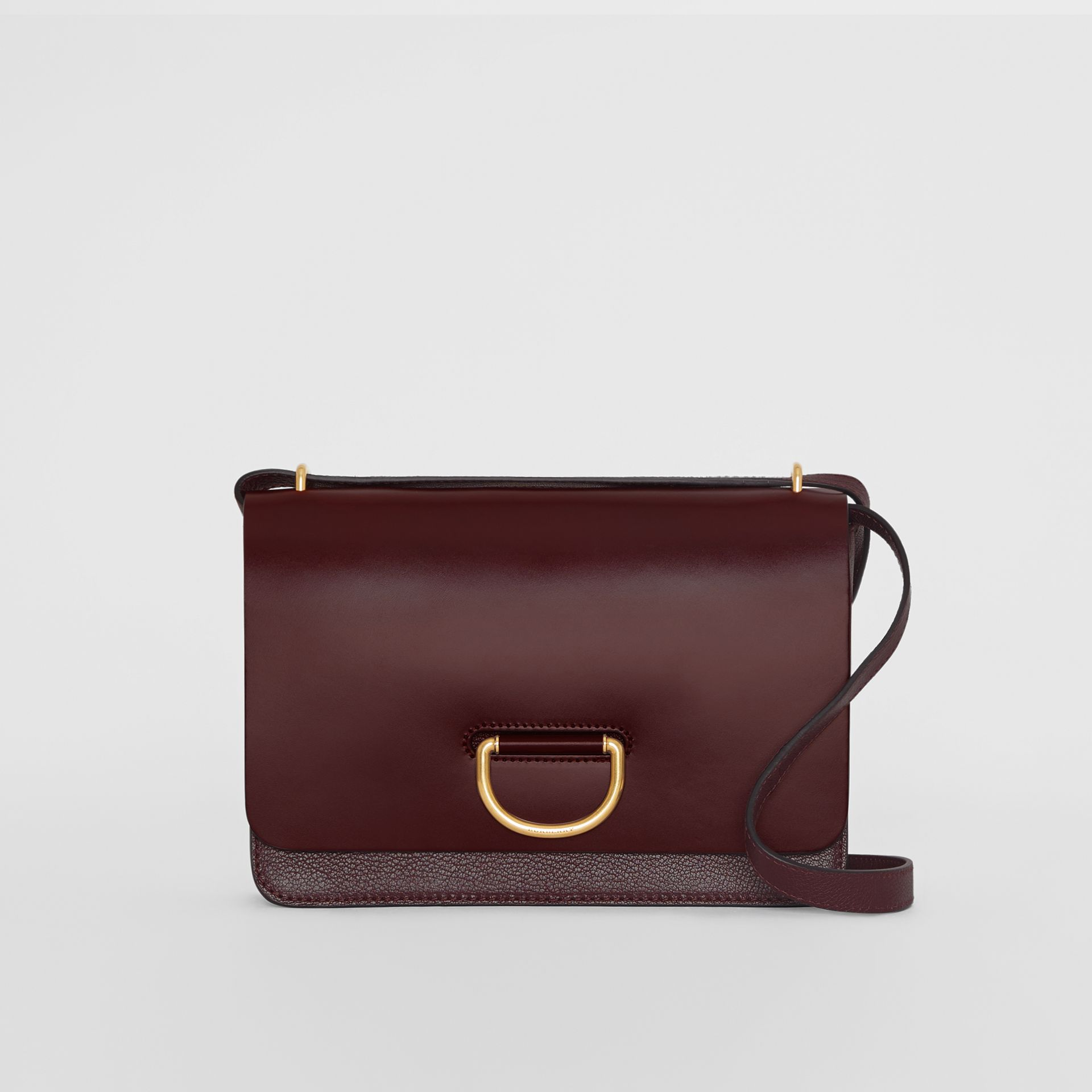 Borsa The D-ring media in pelle (Rosso Violetto Intenso) - Donna | Burberry - immagine della galleria 0