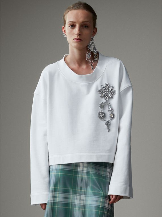 Cropped Sweatshirt with Crystal Brooch in Optic White