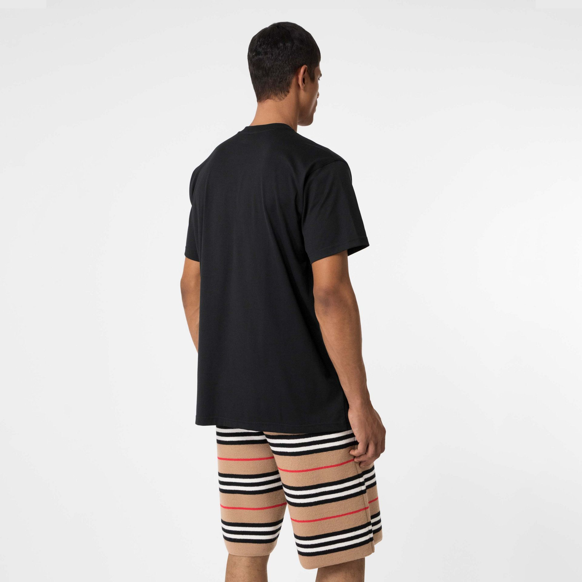 Union Jack Photo Print Cotton Oversized T-shirt in Black - Men | Burberry - gallery image 2