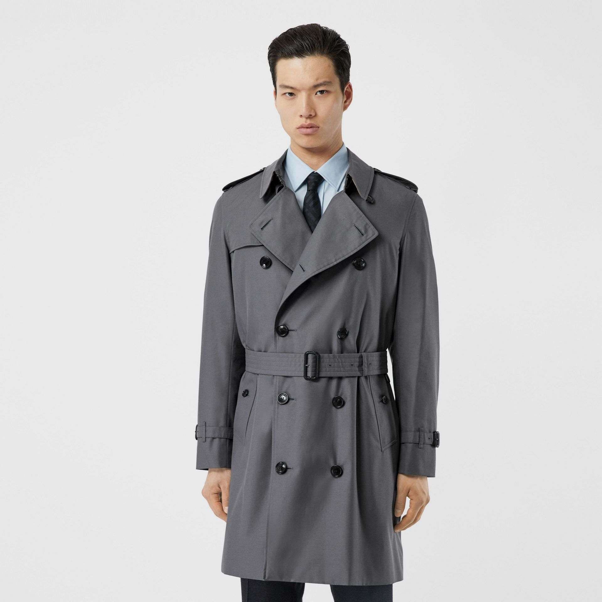 The Mid-length Chelsea Heritage Trench Coat in Mid-grey - Men | Burberry - gallery image 7