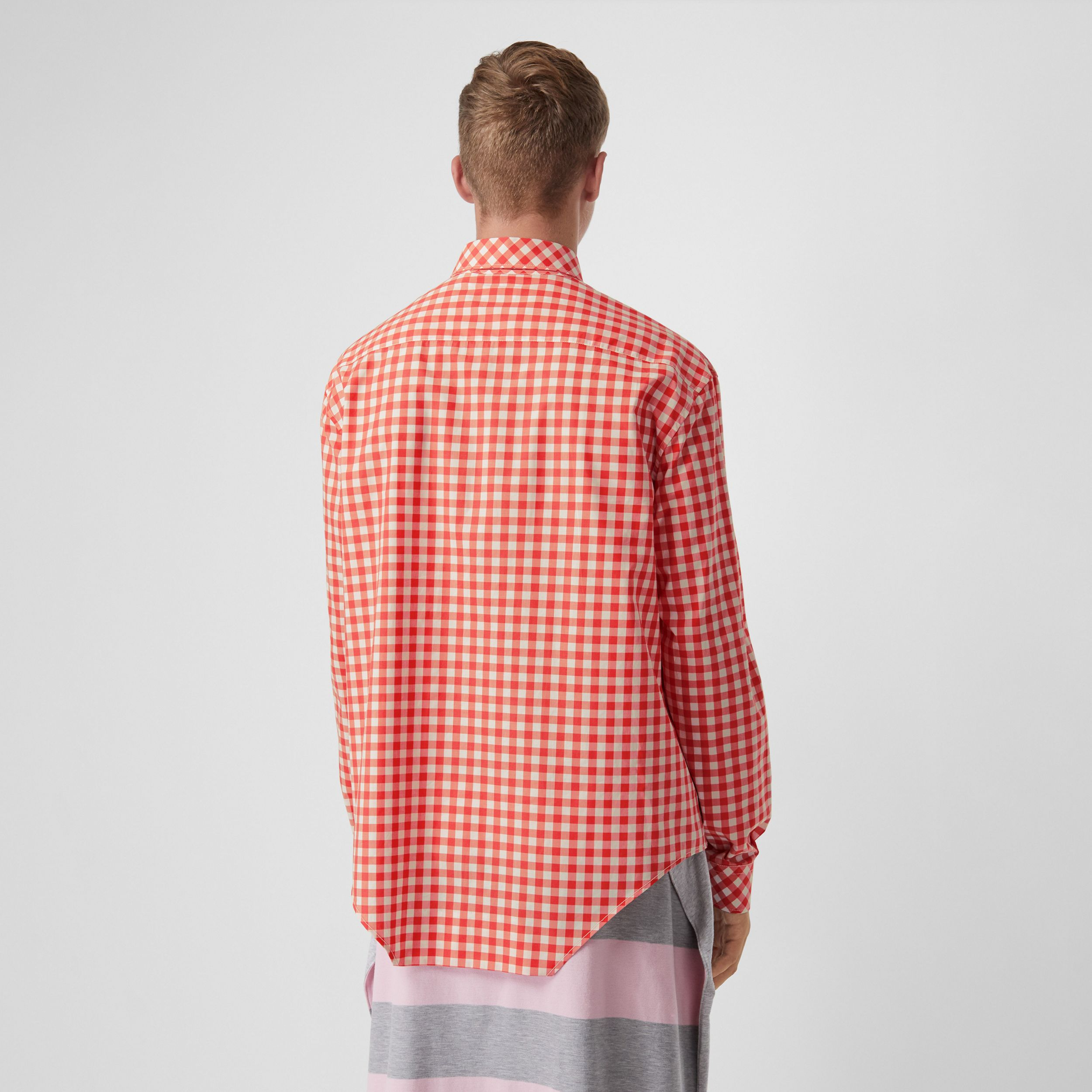 Cut-out Hem Gingham Cotton Oversized Shirt in Red - Men | Burberry United Kingdom - 3