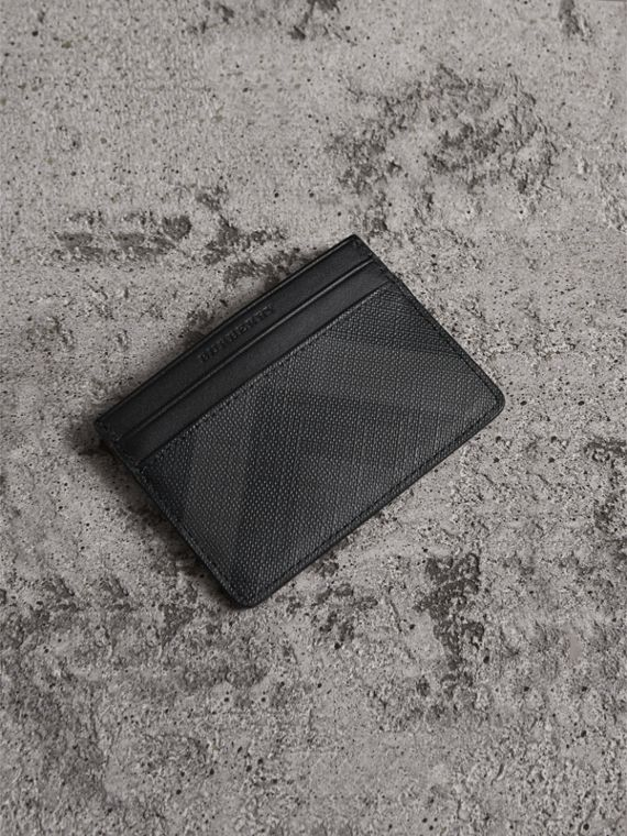 London Check Card Case in Charcoal/black