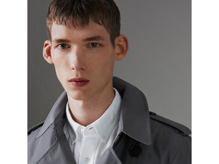 The Chelsea Heritage Trench Coat in Mid Grey - Men | Burberry United States - cell image 1