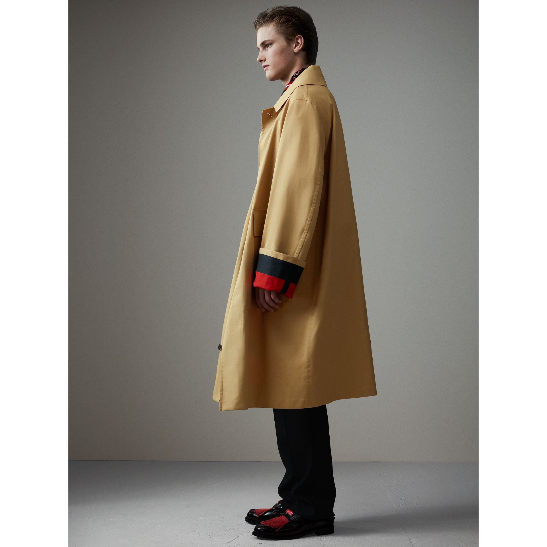 Bonded Cotton Oversized Seam-sealed Car Coat in Beige/red - Men | Burberry Singapore - gallery image 5