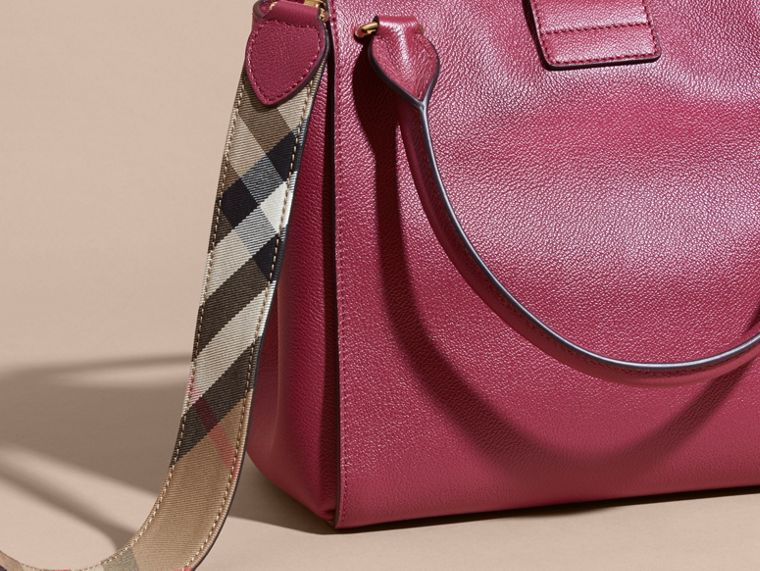 The Medium Buckle Tote in Grainy Leather Dark Plum - cell image 4