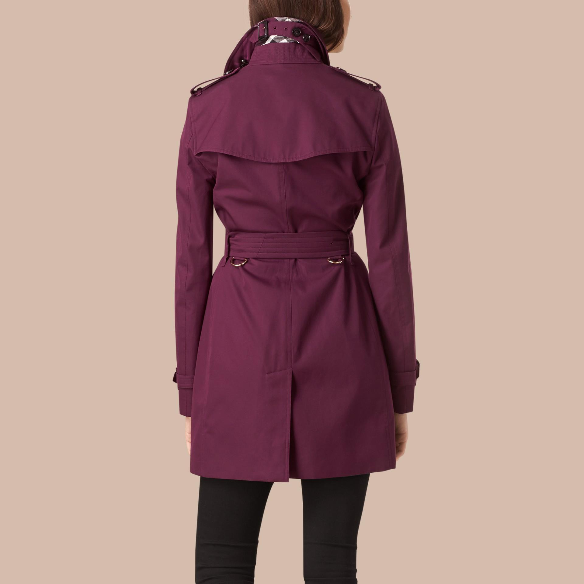 Borgogna intenso Trench coat leggero in gabardine di cotone Borgogna Intenso - immagine della galleria 3