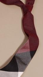 Cravate moderne en cachemire et soie à motif check