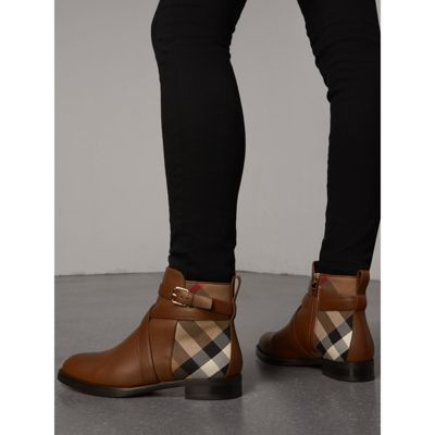 Burberry Strap Detail House Check and Leather Ankle Boots Nm3i1W