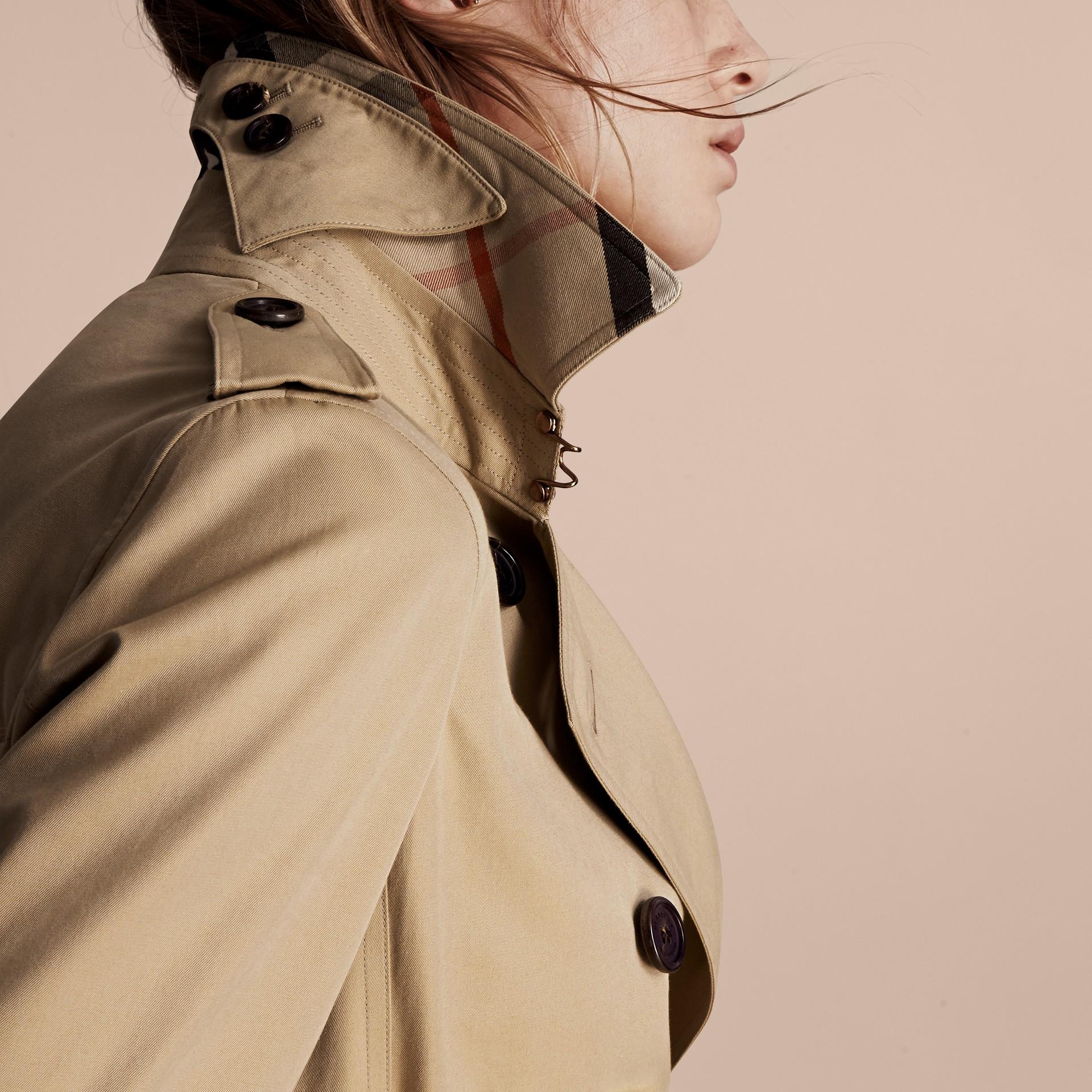 Mel The Kensington - Trench coat Heritage curto Mel - galeria de imagens 6