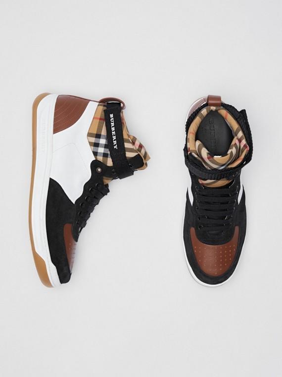 Sneakers montantes en cuir et cuir velours (Blanc Optique/camel)