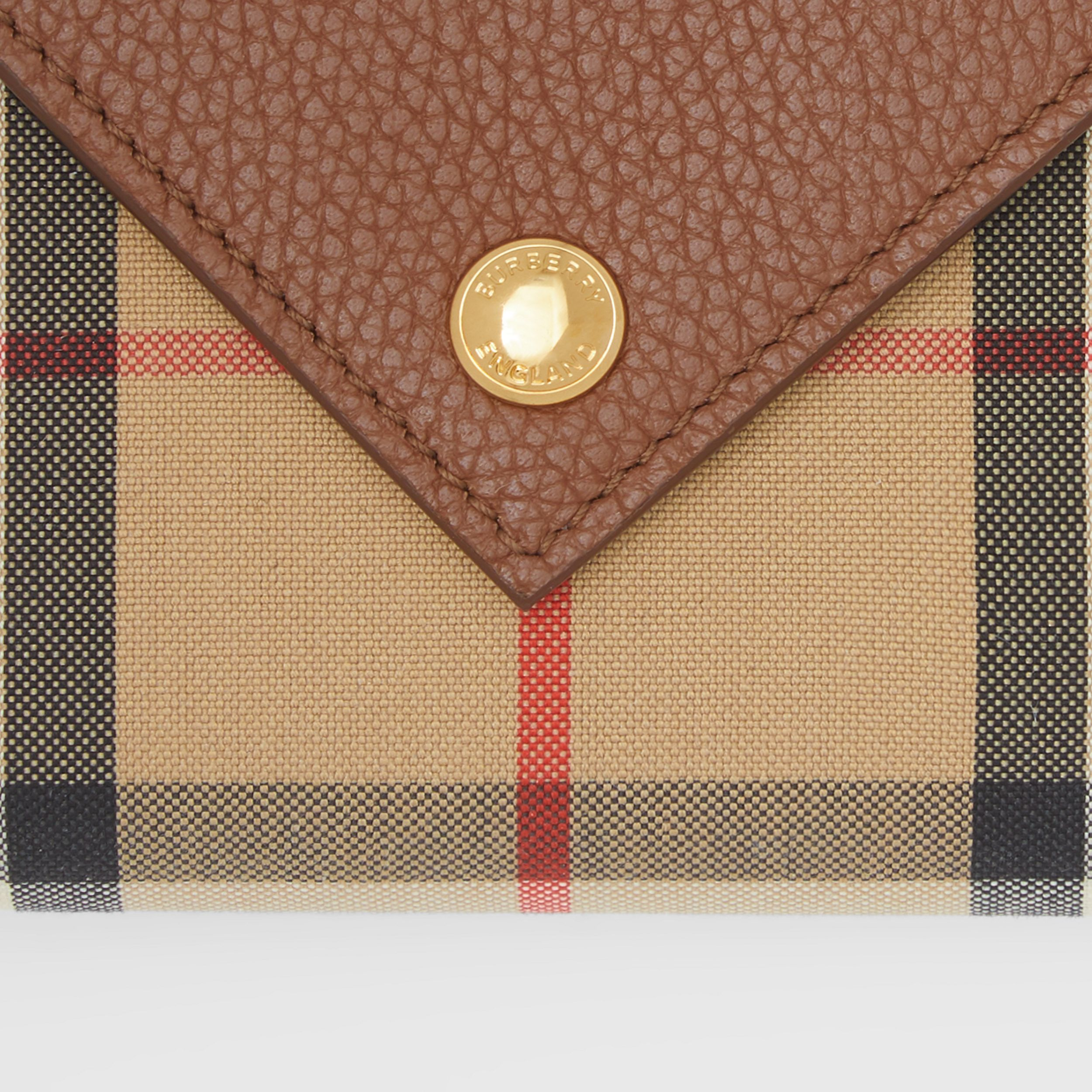 Vintage Check and Grainy Leather Folding Wallet in Tan - Women | Burberry Hong Kong S.A.R. - 2