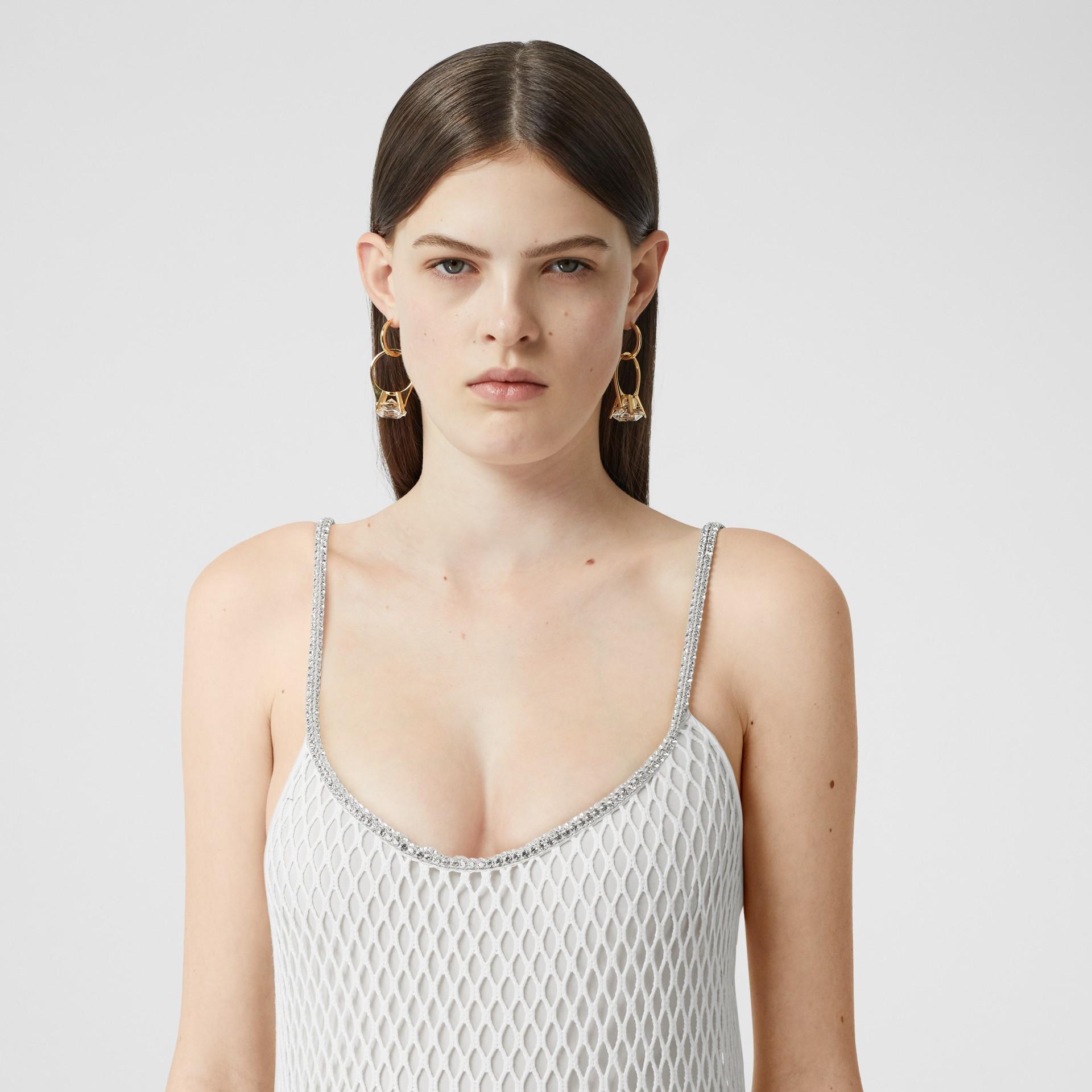Vestido en malla de algodón con flecos de cristales (Blanco) - Mujer | Burberry - imagen de la galería 1