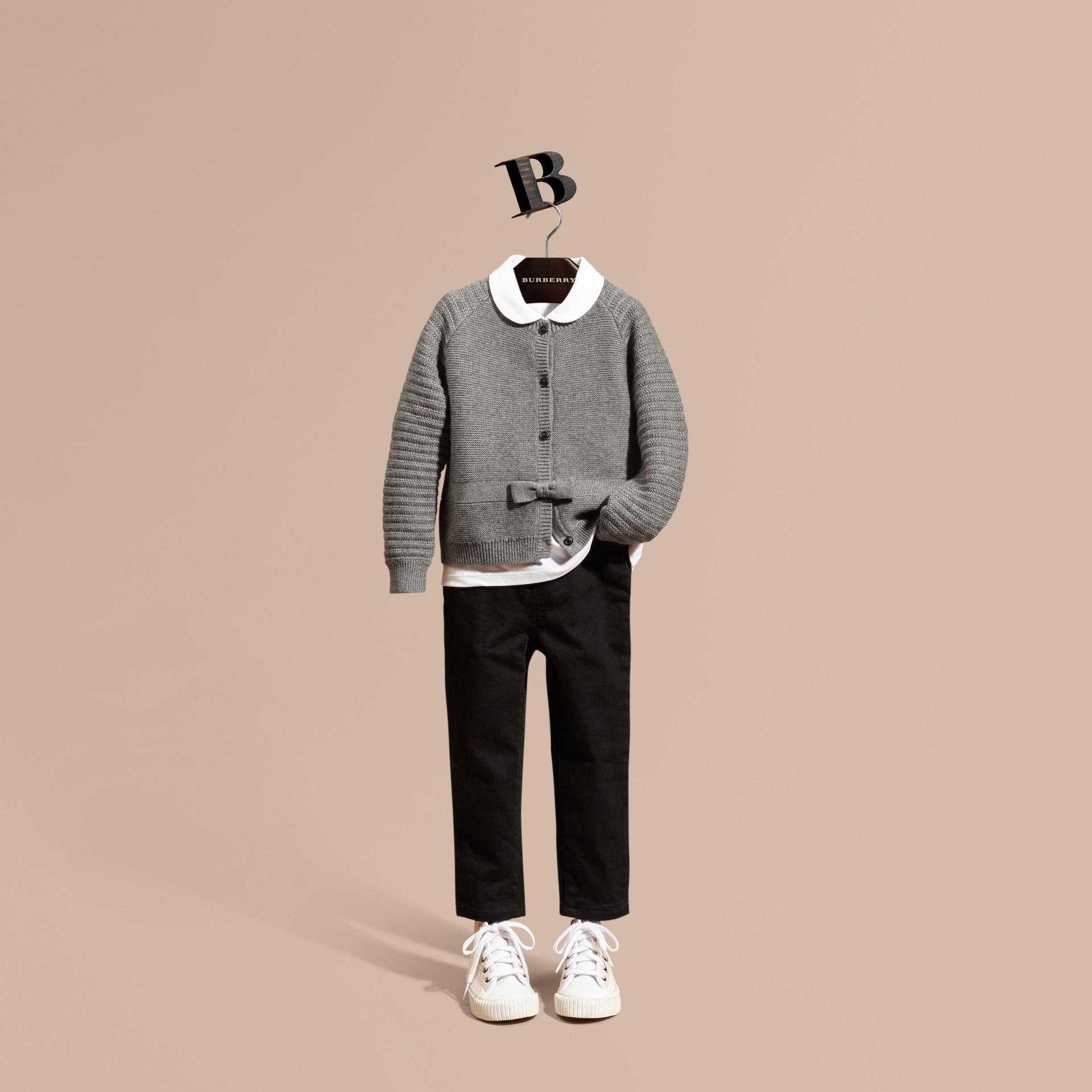 Grigio medio mélange Cardigan in cashmere e cotone con impunture multiple - immagine della galleria 1