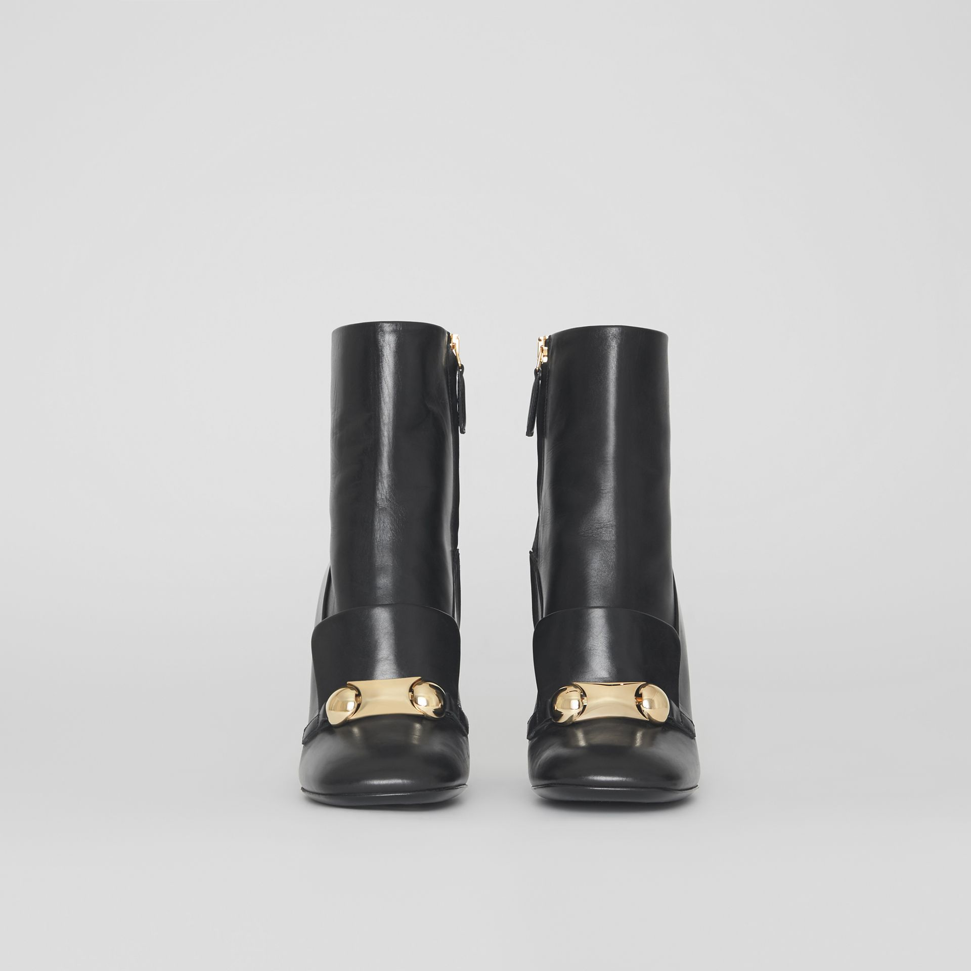Bottines en cuir avec bride cloutée (Noir) - Femme | Burberry - photo de la galerie 2