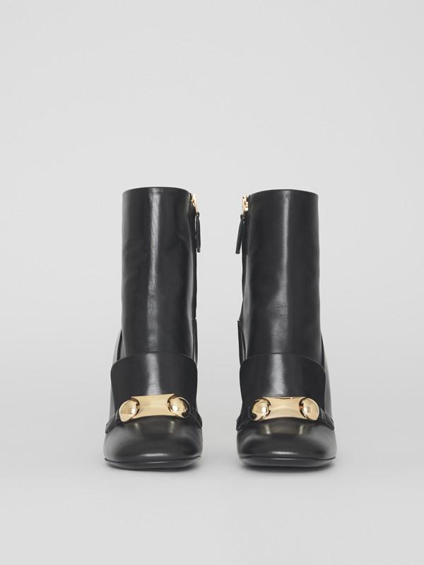 Bottines en cuir avec bride cloutée (Noir) - Femme | Burberry - cell image 2