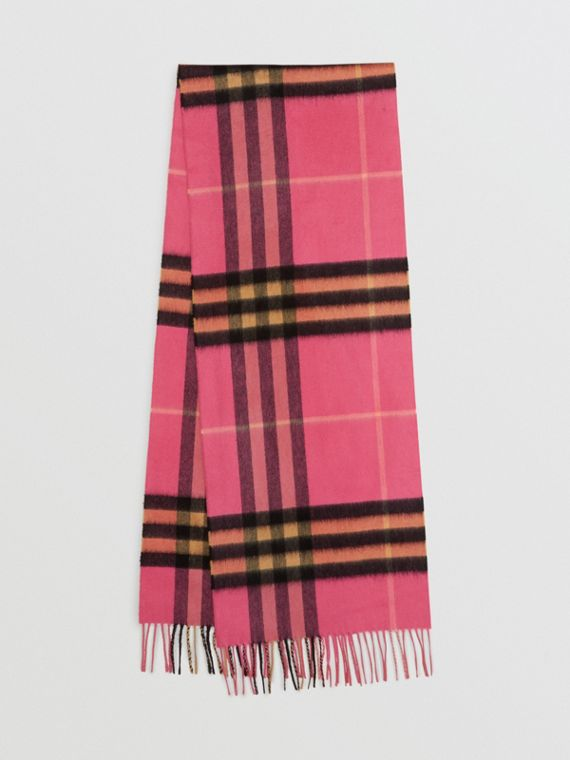 The Classic Cashmere Scarf in Check in Bright Rose