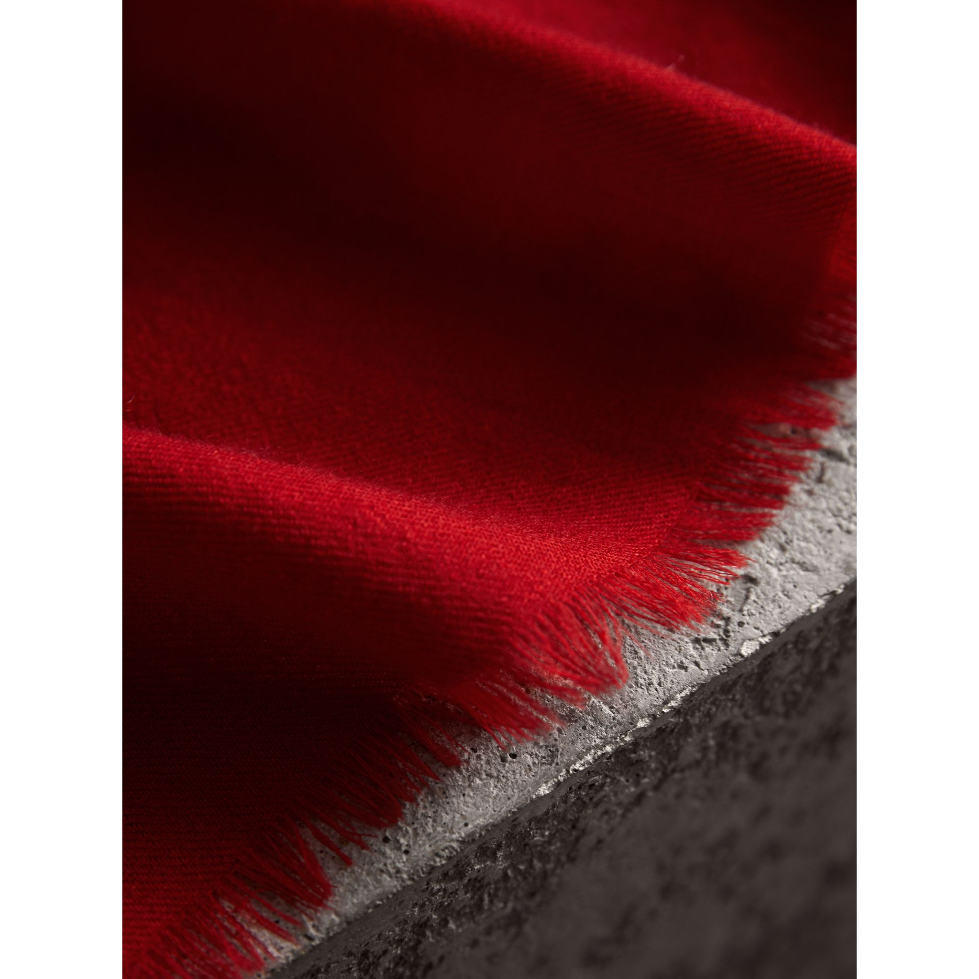 The Lightweight Cashmere Scarf in Parade Red | Burberry Australia - gallery image 2