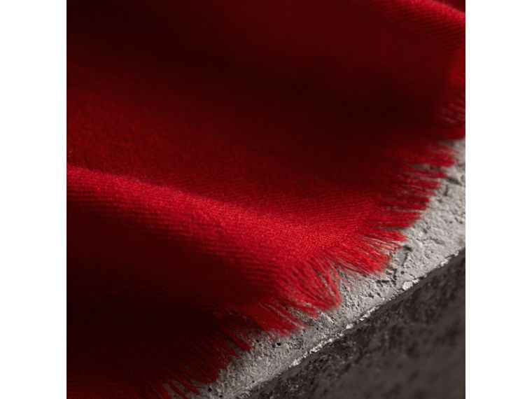 The Lightweight Cashmere Scarf in Parade Red | Burberry Australia - cell image 1