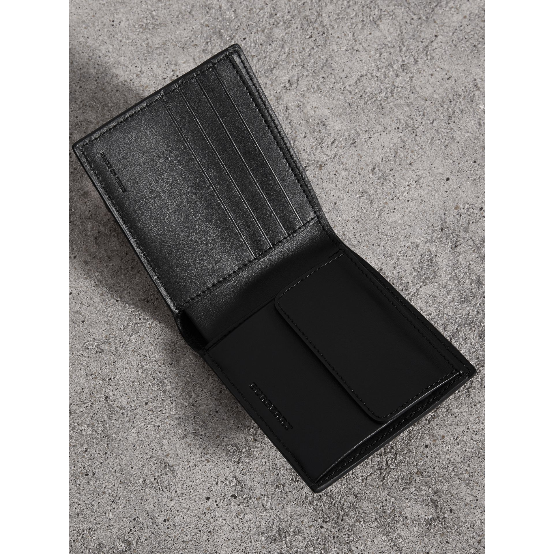 Vintage Check International Bifold Coin Wallet in Black - Men | Burberry United Kingdom - gallery image 3