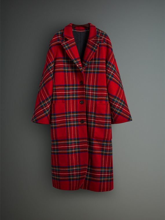 Tartan Double-faced Wool Cashmere Oversized Coat in Bright Red/dark Grey - Women | Burberry Singapore - cell image 3