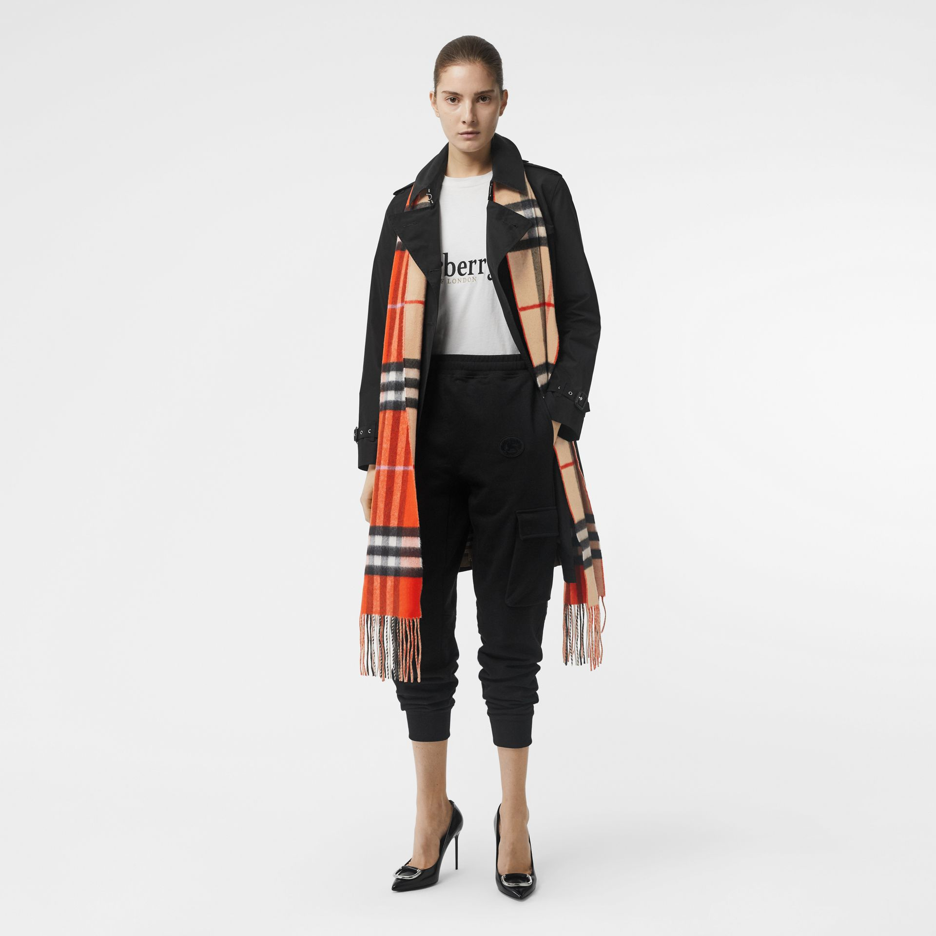 Long Reversible Colour Block Double-faced Cashmere Scarf in Bright Orange Red | Burberry - gallery image 5