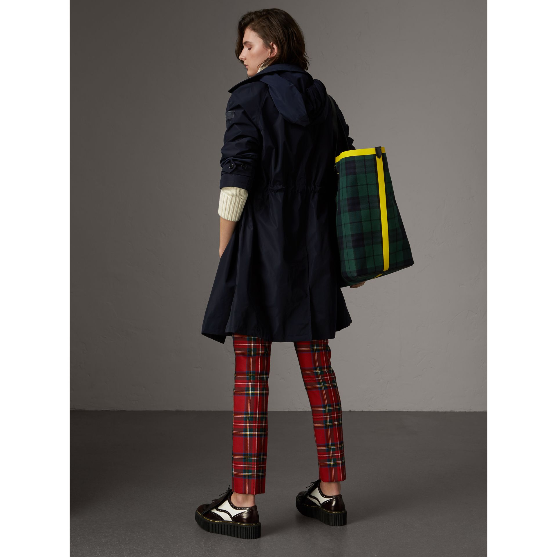 Detachable Hood Showerproof Car Coat in Navy - Women | Burberry - gallery image 3