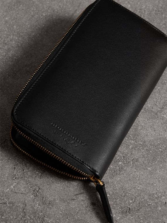 Riveted Leather Ziparound Wallet in Black - Men | Burberry Hong Kong - cell image 2
